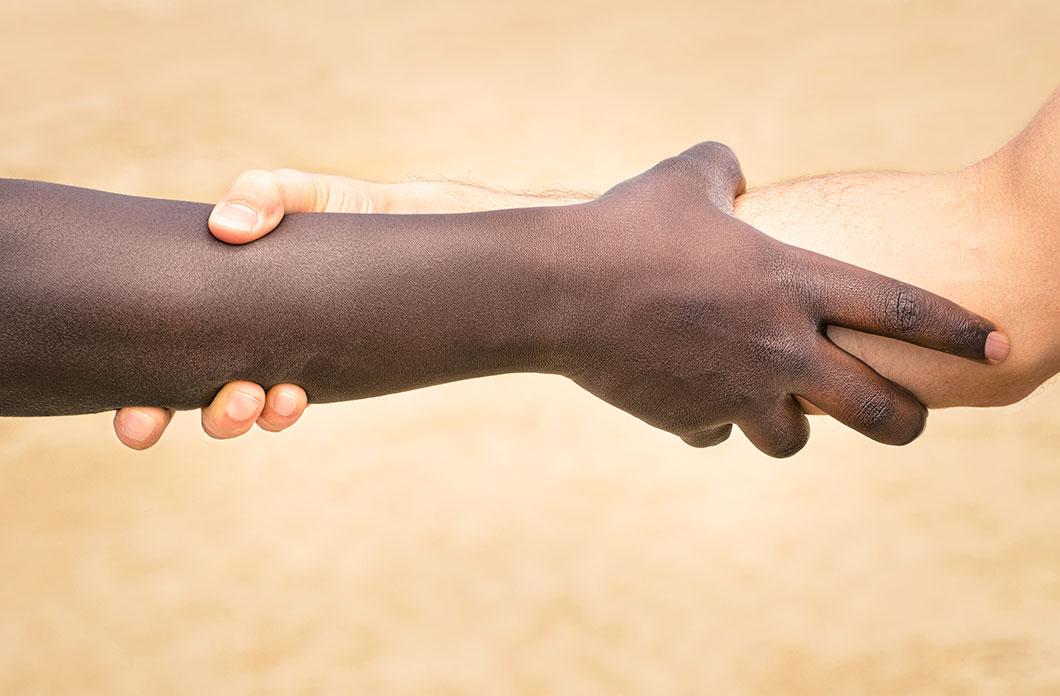 En Europe, la peau blanche est une caractéristique récente via depositphotos