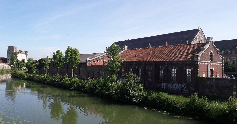 Ancienne capitale des flandres saint omer est une ville for Piscine de saint omer