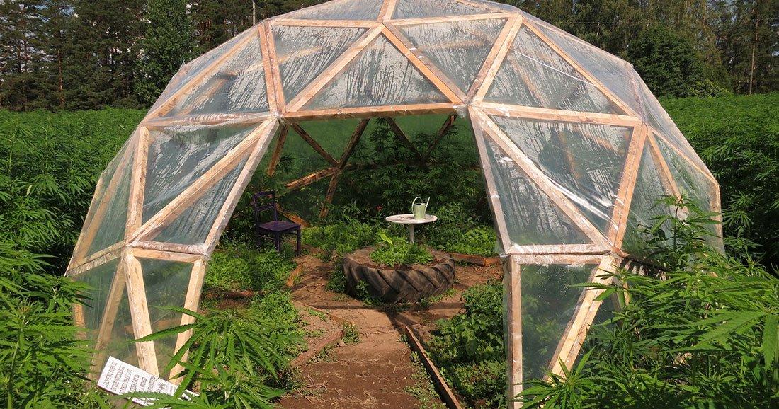 jardinage aire de jeux tente ce d me construire vous m me r pondra toutes vos envies. Black Bedroom Furniture Sets. Home Design Ideas