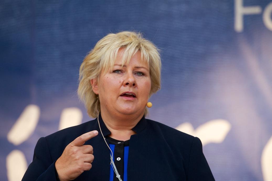 30-Erna Solberg