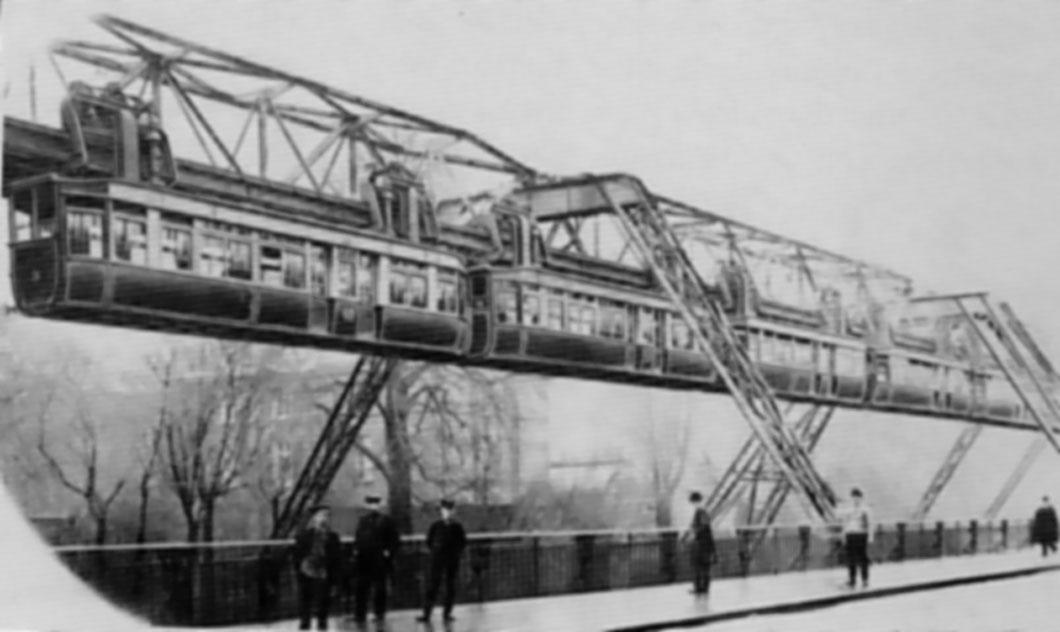L'incroyable destin du Wuppertaler Schwebebahn, le premier train suspendu de l'Histoire ! Par Yan Contegat Train-suspendu-wuppertal-1903