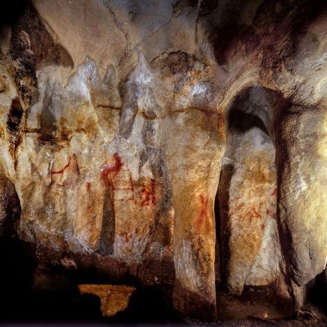 Les plus vieilles peintures rupestres jamais découvertes n'ont pas été réalisées par notre espèce !              Peinture-prehistorique-grotte