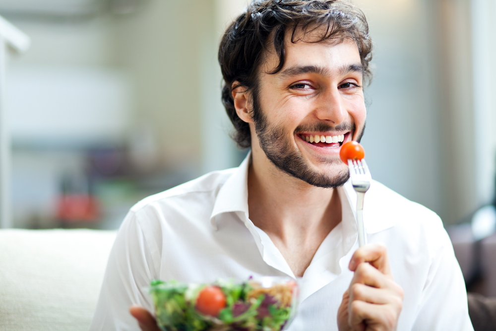 """Résultat de recherche d'images pour """"homme mange"""""""