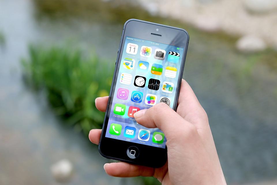 Un smartphone avec une messagerie vocale