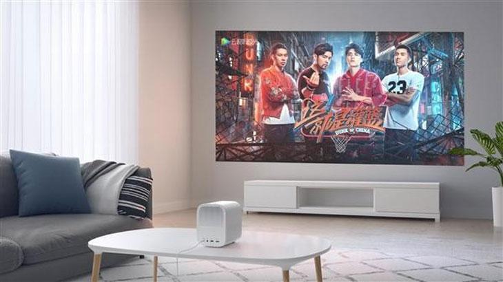 transformez votre salon en salle de cin ma avec ce vid oprojecteur connect en promo. Black Bedroom Furniture Sets. Home Design Ideas