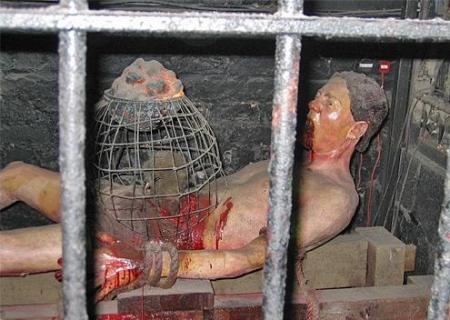 15 méthodes de torture médiévale aussi morbides que tordues ! (vidéo) Par Mathilde Rochefort Supplice-du-rat