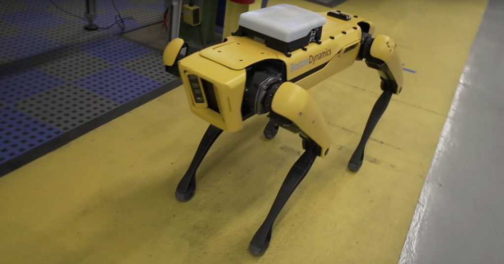 Ce robot de Boston Dynamics qui suscite autant de terreur que d'intérêt va enfin être commercialisé UNE-robot-spot-1024x538