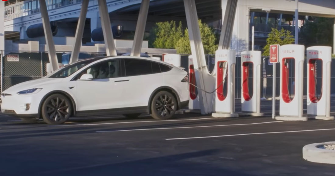 Bourse: Tesla perd beaucoup plus d'argent que prévu, l'action s'effondre