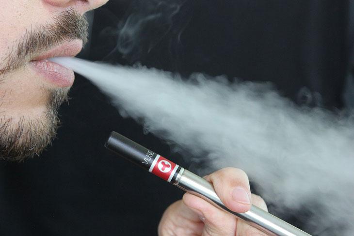 Un premier décès lié à la cigarette électronique enregistré aux États-Unis ! Par Yann Contegat Cigarette-electronique