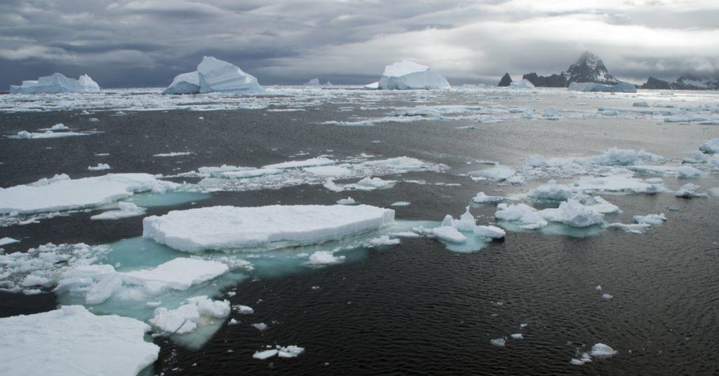 """Des """"rivières atmosphériques"""" accélèrent la fonte des glaces en Antarctique à une vitesse alarmante"""