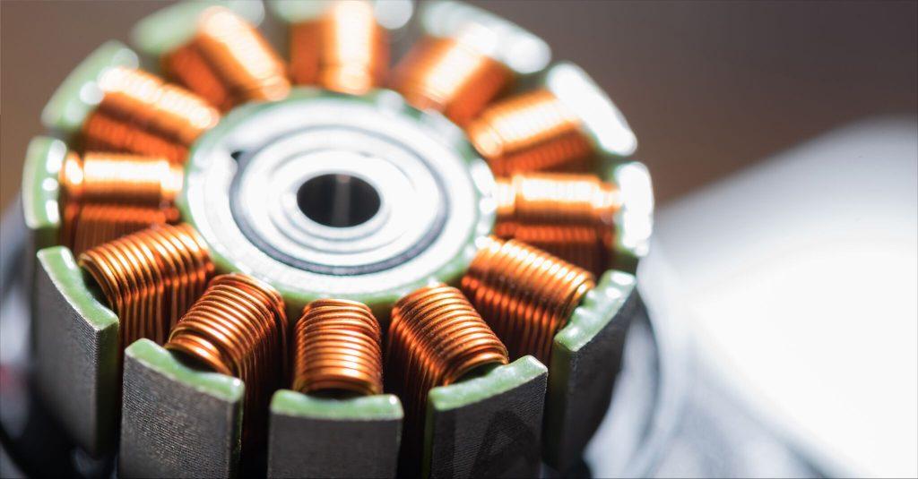 Ce métal conduisant l'électricité mais pas la chaleur défie les lois de la physique