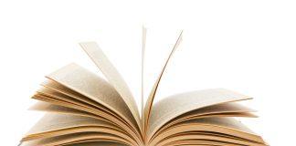 Écriture d'un livre sous la forme d'un cadavre exquis