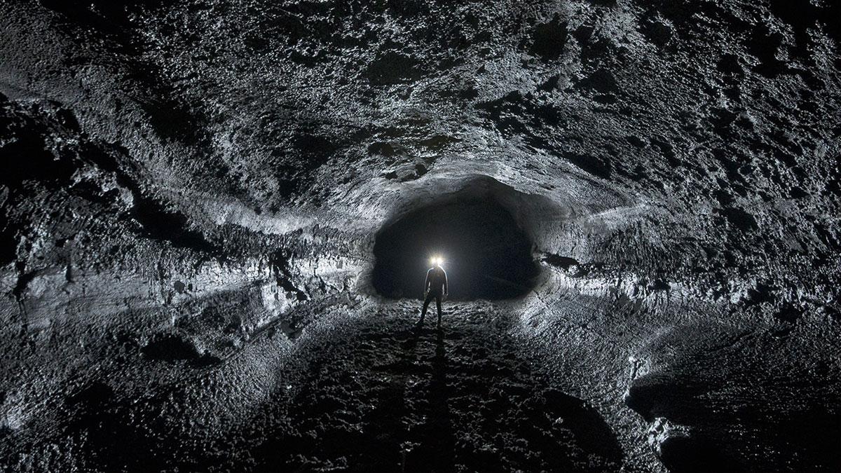 Cette imposante structure viking érigée dans une grotte islandaise visait à empêcher l'apocalypse