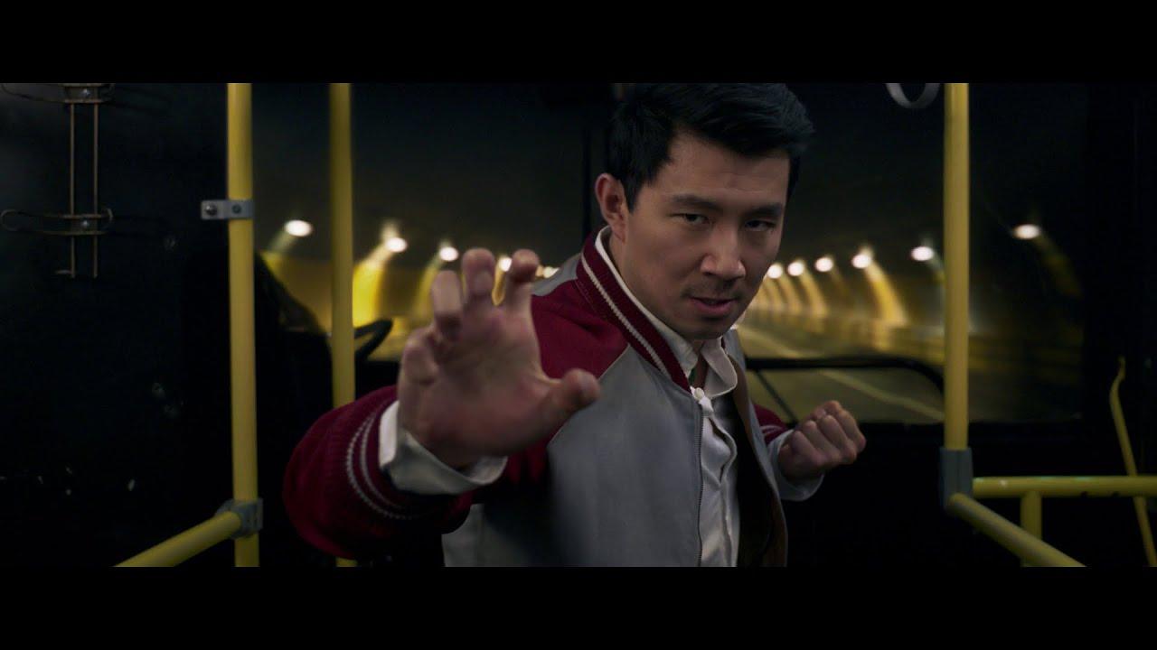 Shang-Chi et la Légende des Dix Anneaux se dévoile enfin dans une première bande-annonce explosive