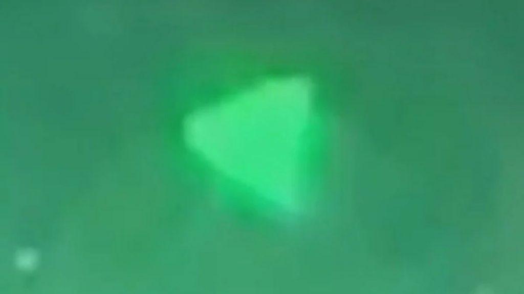 Le Pentagone confirme que la vidéo d'un ovni en forme de pyramide est authentique Une-ovni-pentagone-1024x576