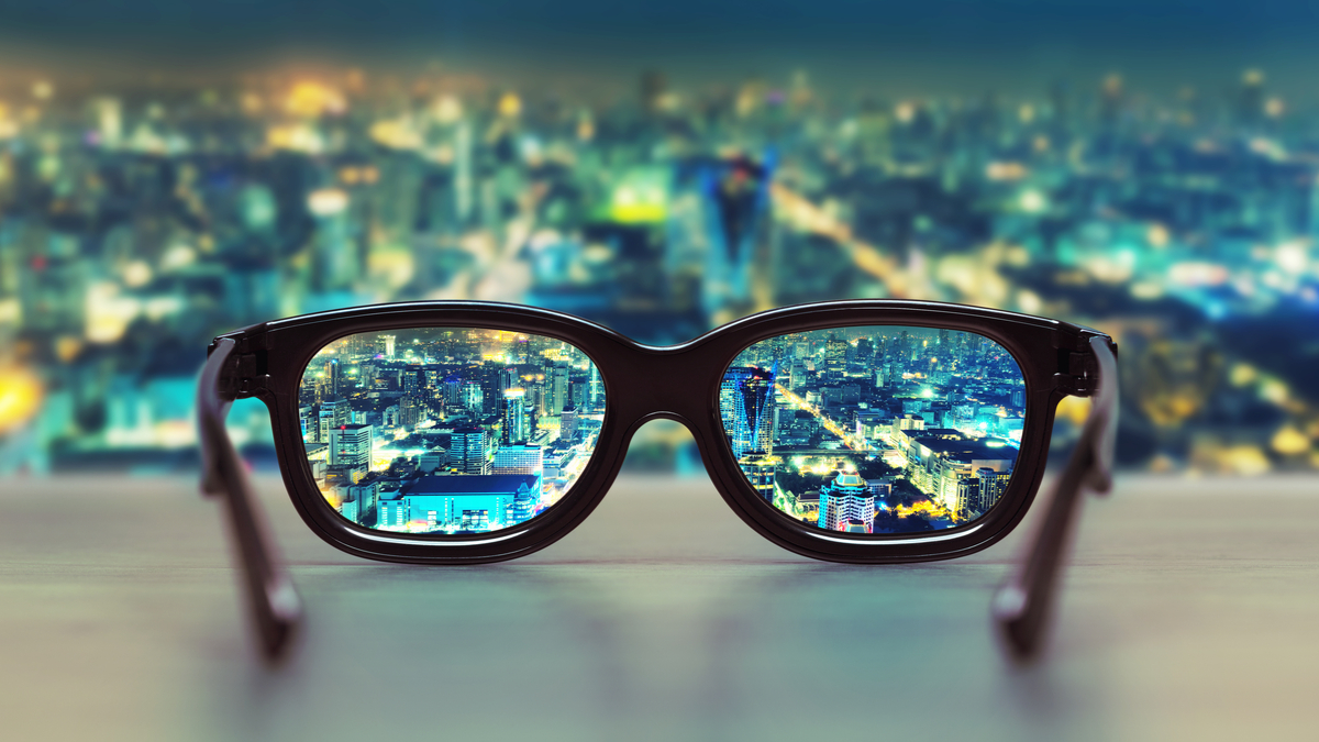 Ce film de vision nocturne révolutionnaire peut être appliqué sur des lunettes ordinaires