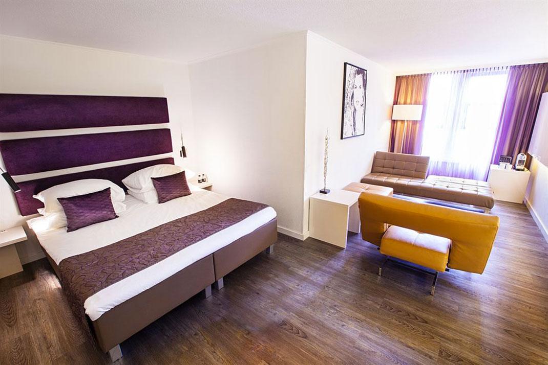 albus hotel amsterdam 4 daily geek show. Black Bedroom Furniture Sets. Home Design Ideas
