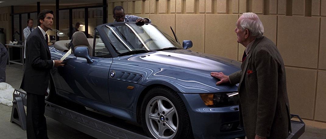 GoldenEye_-_Q_demonstrates_the_BMW_Z3