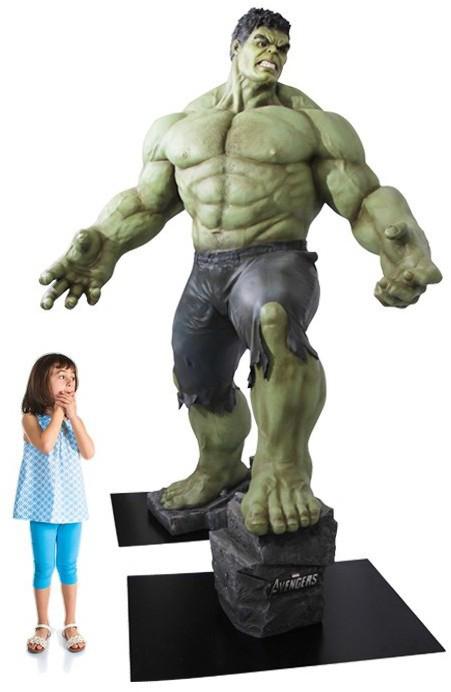 Hulk-figurine-3