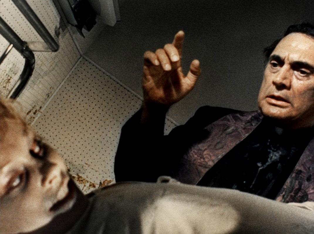 lisa-et-le-diable-maison-de-l-exorcisme-1974-04-g