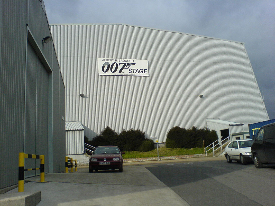 Pinewood---studios-James-Bond-Star-Wars