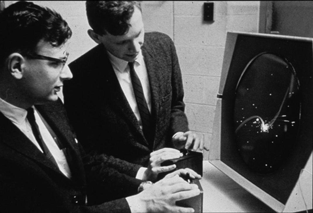 two-men-spacewar