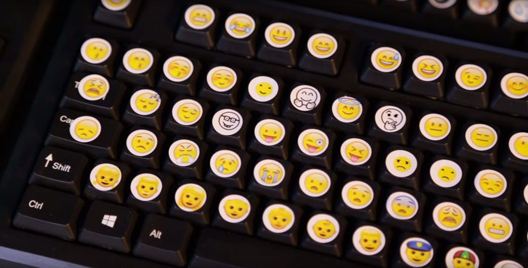 clavier-emoji-physique