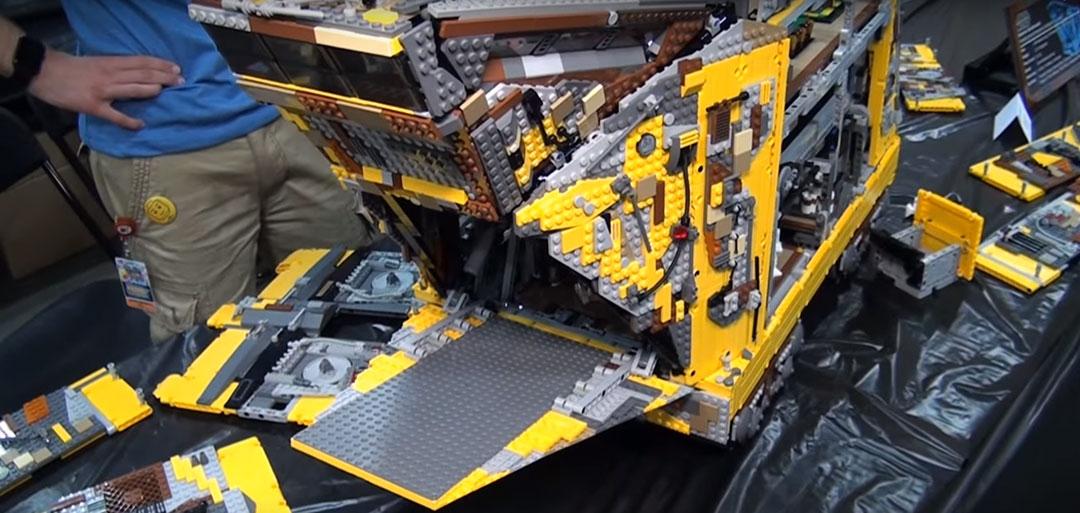 Jawa-Sandcrawler-LEGO-2