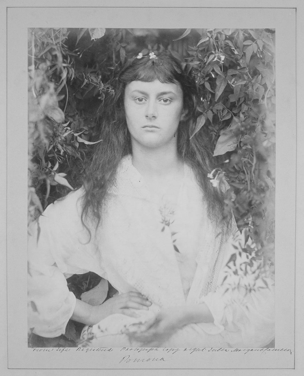 alice-liddell-portrait-adulte