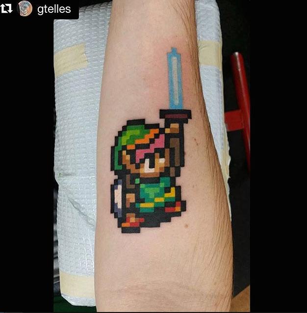 link-tatouage-bit-couleur
