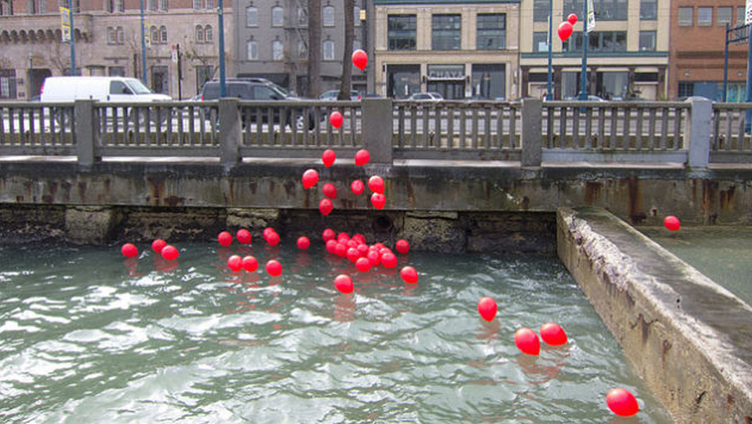 thq-ballons-rouges
