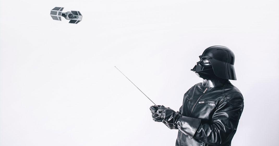 Dark-VAdor-Une3