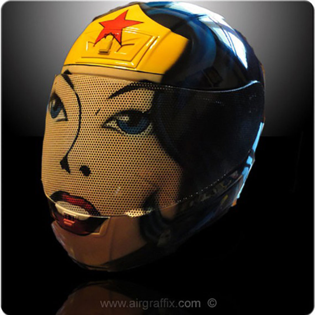 need-xx-casques-de-moto-a-limage-des-personnes-cultes-de-la-pop-culture-11
