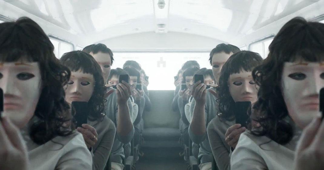 une-black-mirror-serie