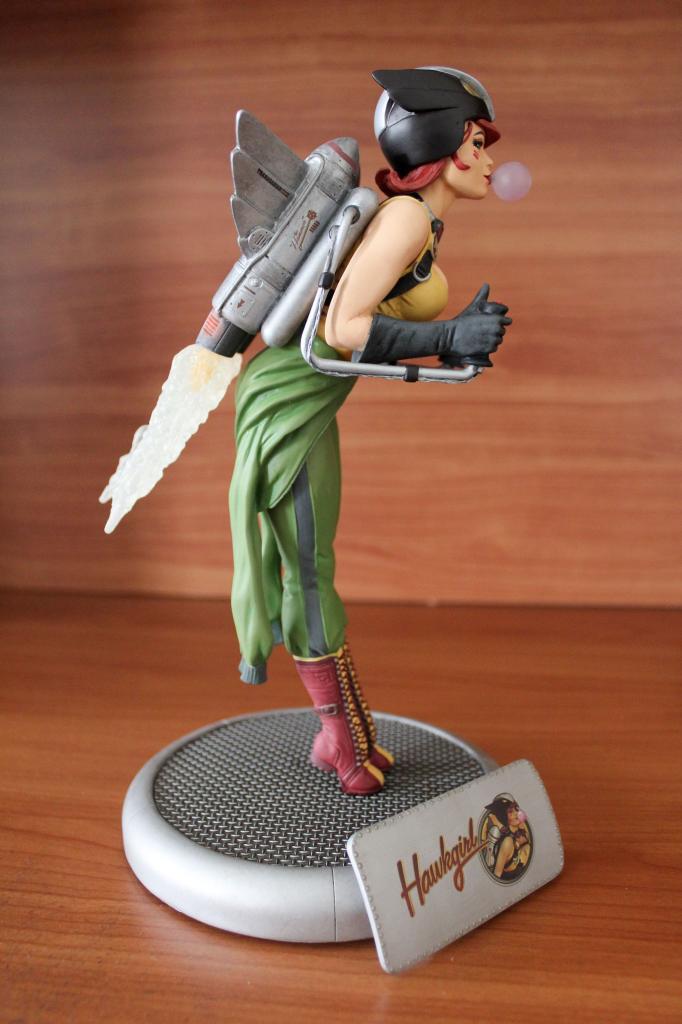 Hawkgirl-statuette