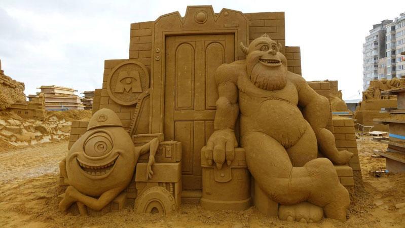 sculpture-sable-monstres-cie