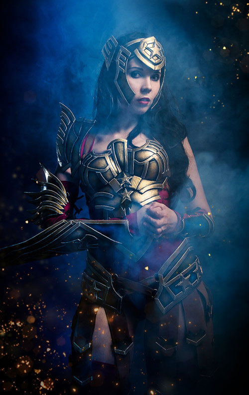 Wonder-woman-Kamui-Cosplay