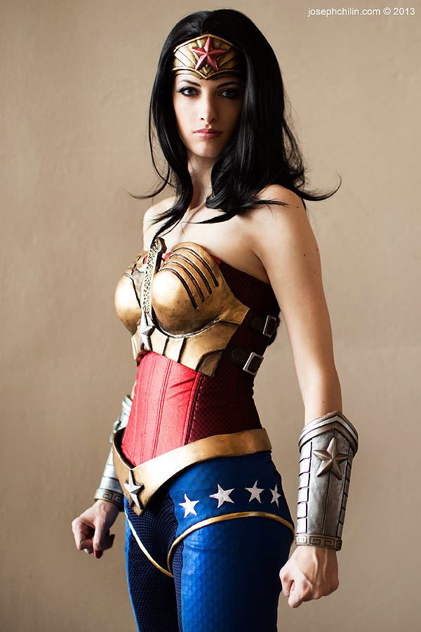 wonder-woman-Katie-Cosplays