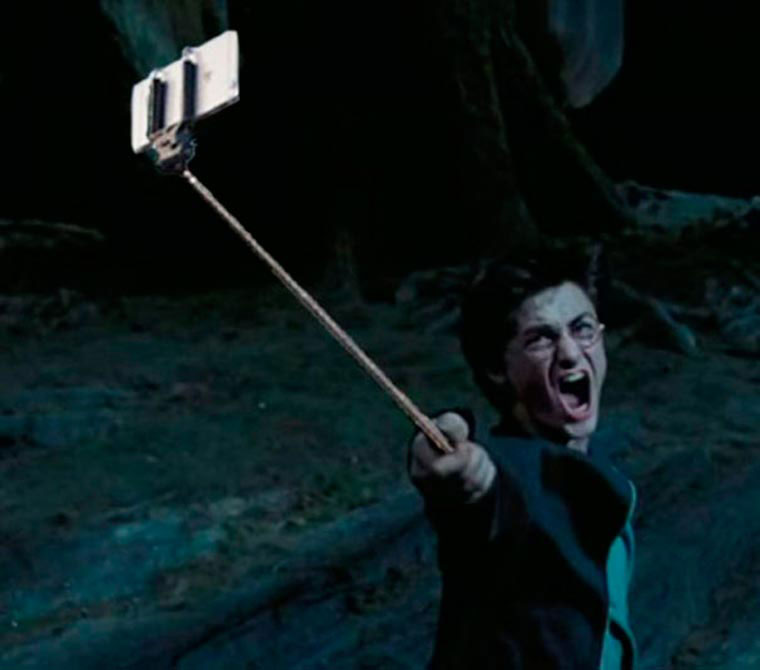 selfie-stick-harry-potter