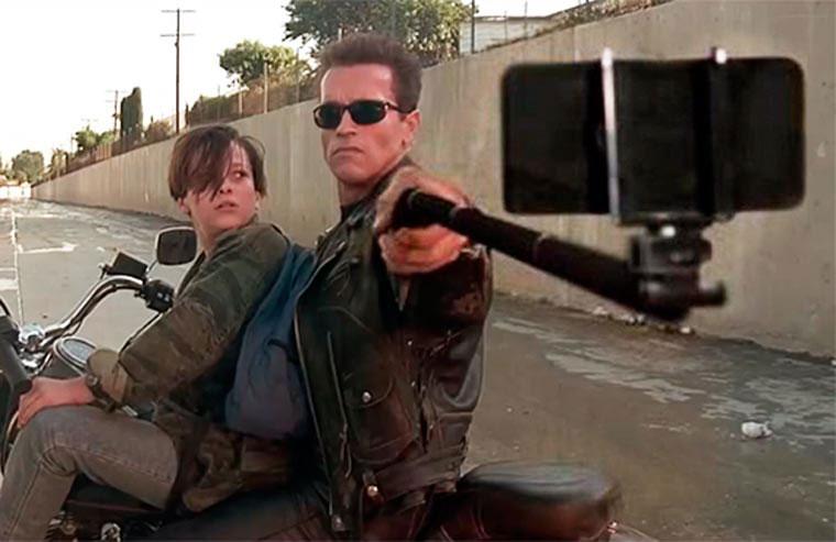 selfie-stick-terminator