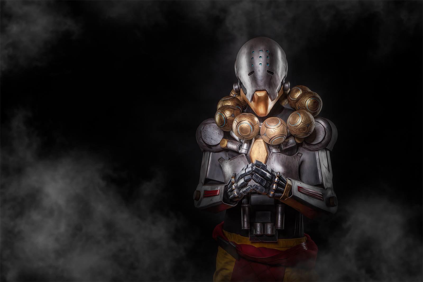Zenyatta-cosplay