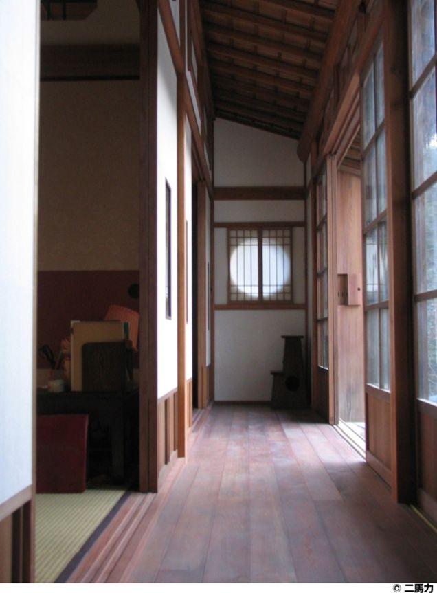 maison-totoro-couloir
