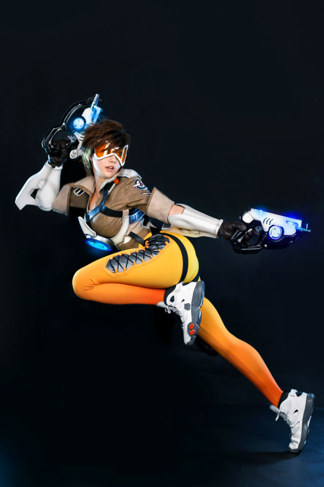 tracer-5-cosplay-overwatch